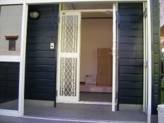 玄関ドア塗装後・全体