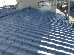 屋根全体に下地塗装完了