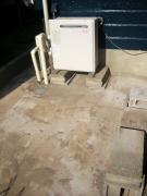 外の給湯器の場所の清掃後