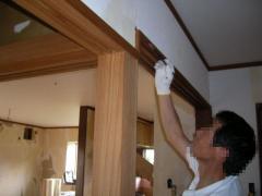 鴨居の上や周り縁の塗装