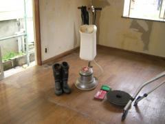 ポリッシャーと床洗浄の道具
